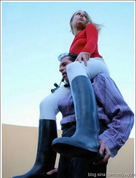 骑在男人身上的凶猛女人