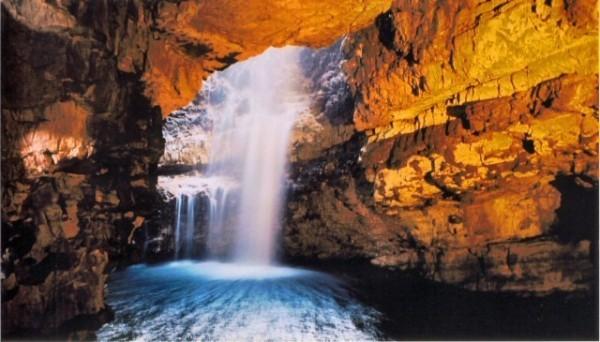 世界上最神奇的九个水洞